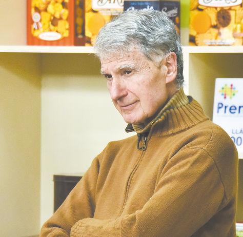 El padre Eduardo Pérez Iribarne en los estudios de Fides Tv. Foto: Luis Gandarillas
