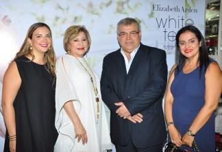 Jasmina Satanojevich, Norma Rodriguez, Orlando Peña y Jeanine Landívar, ejecutivos de COSMET.
