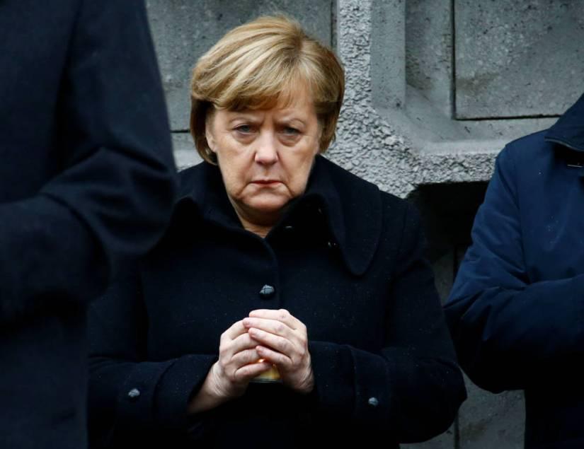 Foto: La canciller alemana Angela Merkel durante una ceremonia en memoria de las víctimas del atentado en Breitscheidplatz, Berlín. (Reuters)
