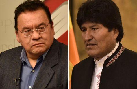 El Periodista Mario Espinoza (izq.) y el presidente Evo Morales
