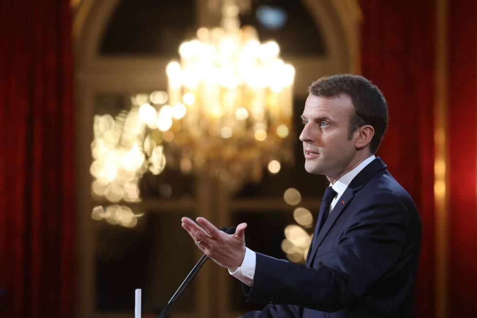 El presidente francés, Emmanuel Macron, en su discurso de Año Nuevo a los medios este miércoles en París.