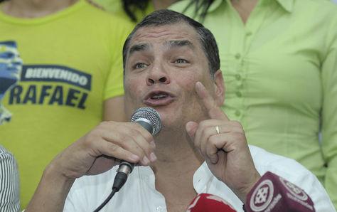 El expresidente ecuatoriano Rafael Correa ofrece una rueda de prensa en Guayaquil (Ecuador).