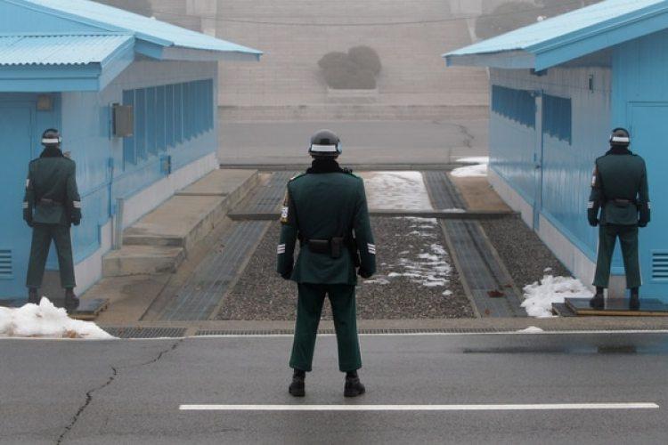 Soldados de Corea del Sur en la zona desmilitarizada (Chung Sung-Jun/Getty Images)