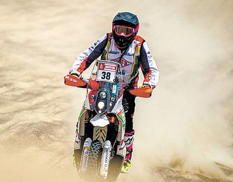 El boliviano Fabricio Fuentes durante su participación en la etapa dos. Foto: Villamontes Racing