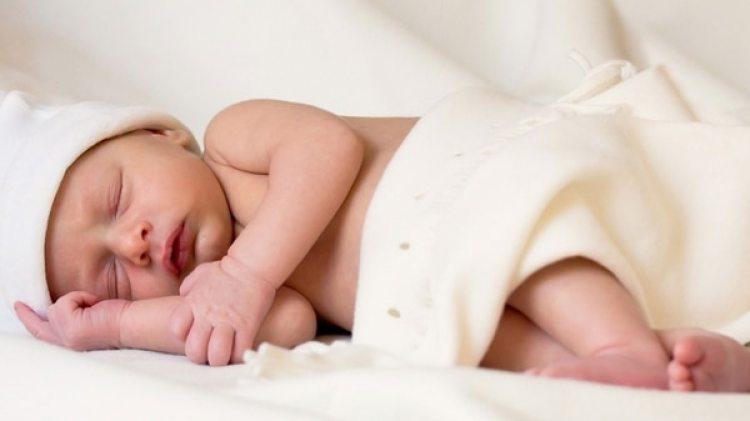 Entre los datos más llamativos estáque el 61% de las madres comparte cama con el bebé, cuando lo recomendable es que se comparta habitación pero que el niño tenga su propio lugar para dormir