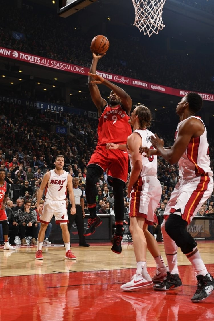 Miami Heat derrotó por 90 a 89 a Toronto Raptors (Photo by Ron Turenne/NBAE via Getty Images)