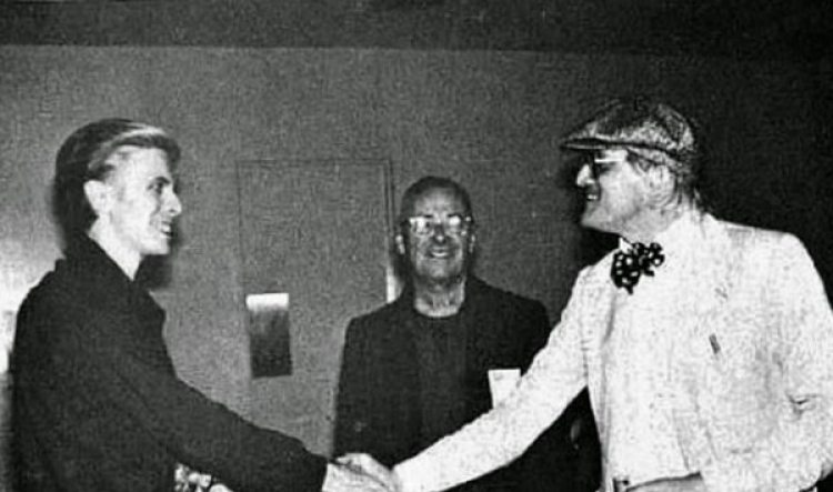 Bowie conoce a Isherwood (David Hockney)