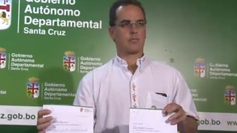 El secretario General de la Gobernación de Santa Cruz, Roly Aguilera, informa sobre reducción de monto de regalías