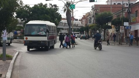 En Sucre empezó el bloqueo en cumplimiento del paro cívico contra el Código. Foto:Yuvert Donoso