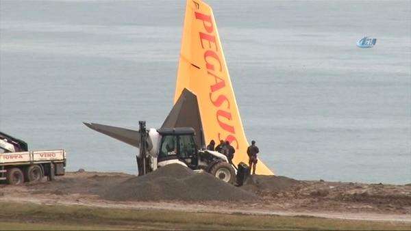 Un avión turco con 162 pasajeros cae en acantilado sin dejar lesionados