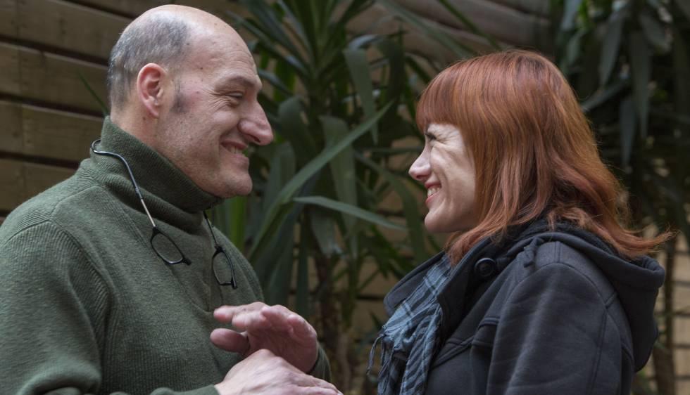 Gabriel y Yesika, pacientes acromegálicos, son la cara de una campaña para dar a conocer la enfermedad