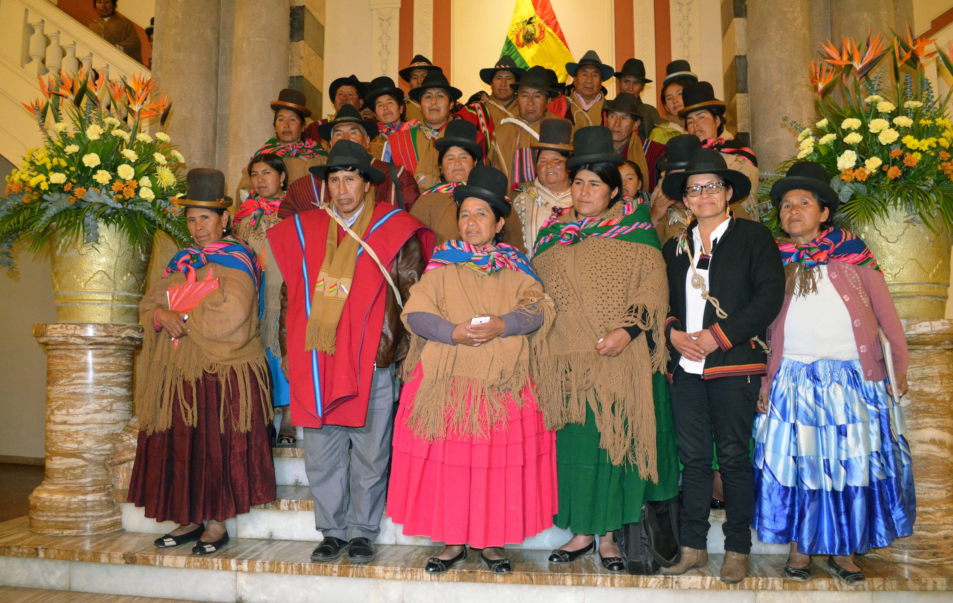 Resultado de imagen para Federación de Mujeres Campesinas de La Paz