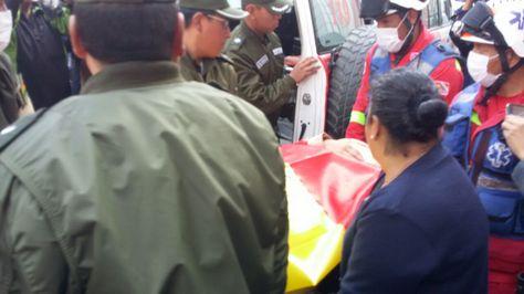 La senadora Carmen Eva Gonzales es evacuada tras 11 días de huelga. Foto:Angel Guarachi