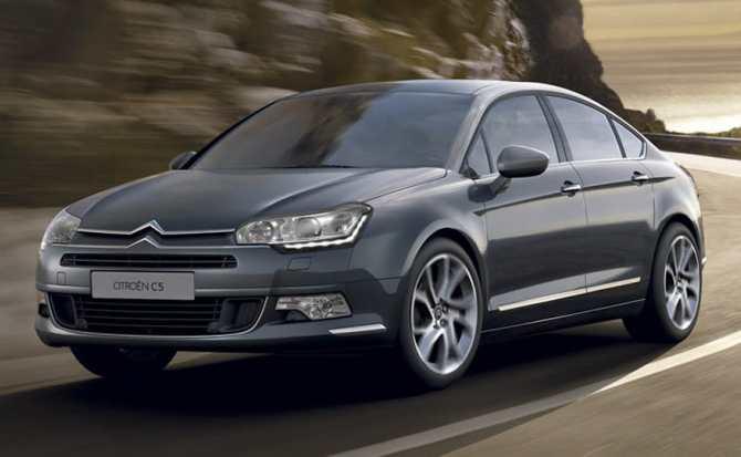 Peugeot y Citroen electrificarán todos sus vehículos antes del año 2025