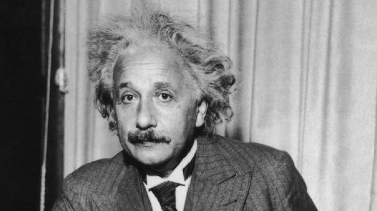 """""""Einstein era un humanista, y un fiel defensor de la paz y de los derechos universales que nunca creyó en las fronteras ni en las naciones"""", aseguran escritores del libro (Getty Images)"""