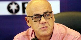 La novela de las 9: Jorge Rodríguez dice que Óscar Pérez quería asesinar a Maduro, Padrino, El Aissami, Saab y Cabello
