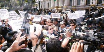 Periodistas de Bolivia enfrentan nueva amenaza del Código Penal