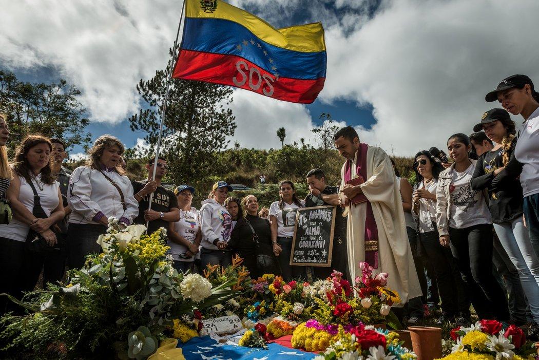 Este domingo se realizó el funeral de Óscar Pérez, un líder rebelde asesinado por fuerzas del gobierno venezolano el pasado 15 de enero. Credit Meridith Kohut para The New York Times