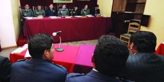 Militares que hace años dejaron la Fuerza Aérea Boliviana aún figuran como activos