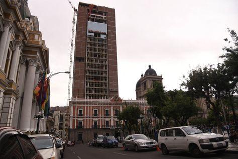 La Casa Grande del Pueblo que se levanta detrás del Palacio Quemado. Foto: Archivo