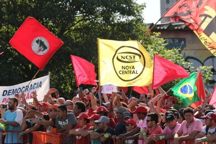 Hay manifestaciones a favor y en contra de Lula en distintos puntos del país (Reuters)