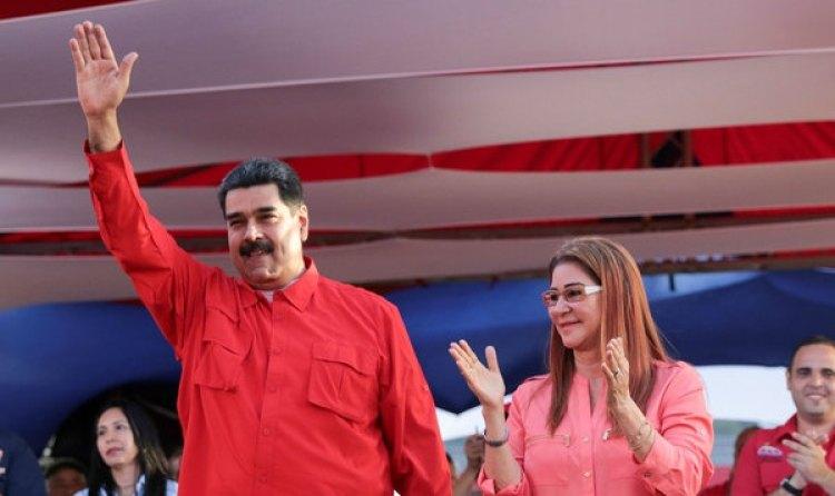 Nicolás Maduro y su esposa Cilia Flores durante un acto este miércoles (Reuters)