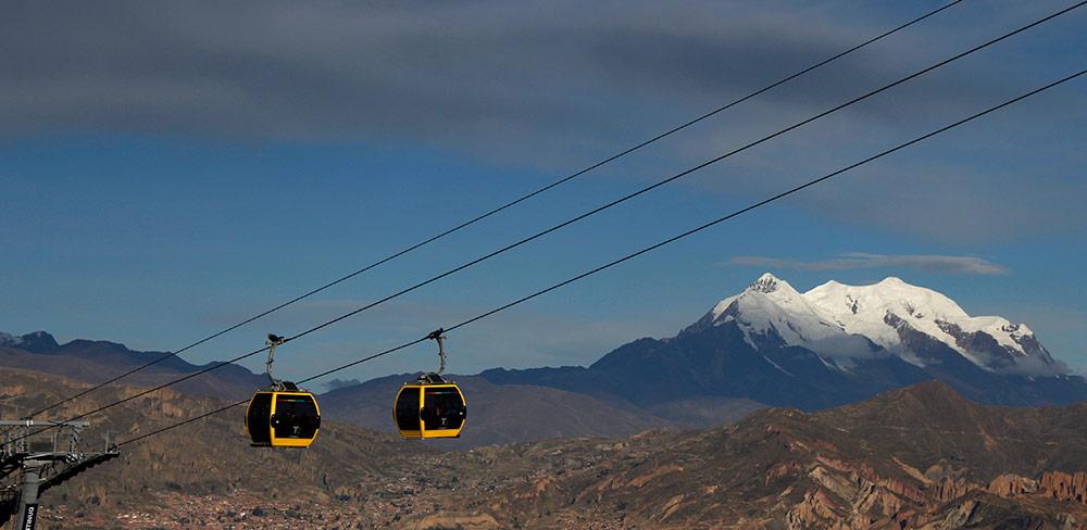 Dos años del teleférico que une las ciudades de La Paz y El Alto