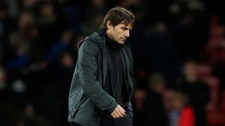 Antonio Conte está preocupado por los fichajes del Chelsea y tuvo un cortocircuito con Abramovich (Reuters)