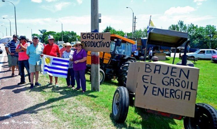 El aumento de tarifas y el precio del combustible desató el enojo de los sectores agroindustriales (AFP)