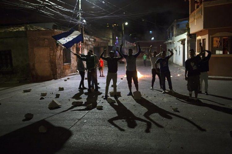 Protesta contra el gobierno en Tegucigalpa en diciembre de 2017 (AP)