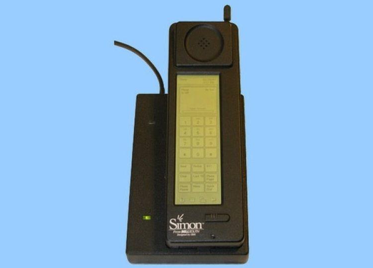 Simon de IBM tenía aplicaciones y una pantalla táctil