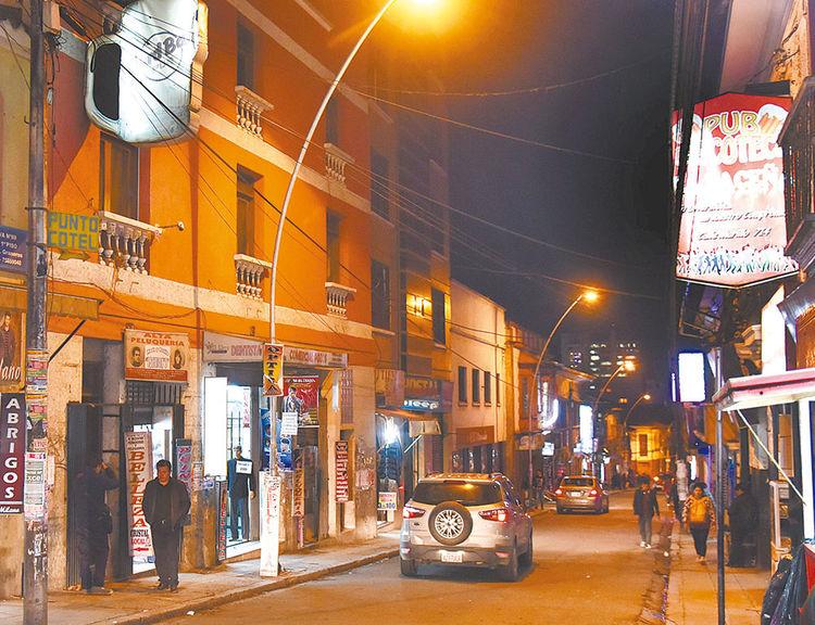 MURILLO. Hard Bar (izq.) y La Paceña (der.), abiertas. Foto: José Lavayen
