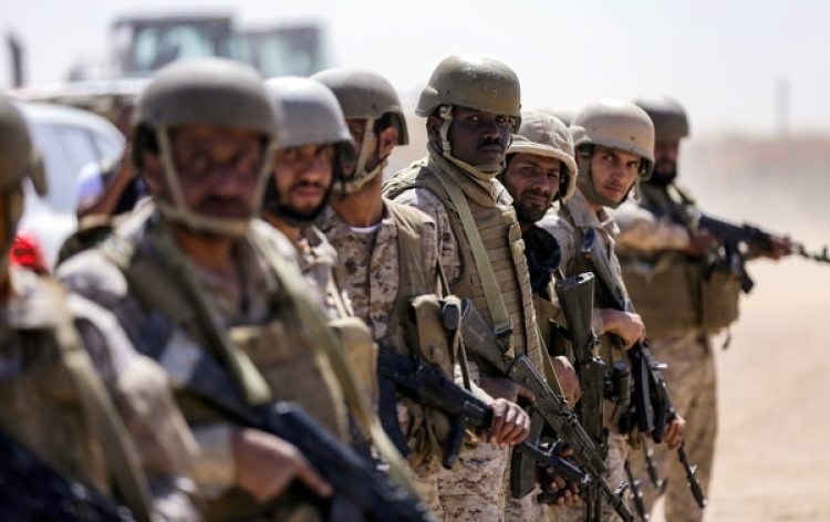 Las tropas de Arabia Saudita detuvieron el ataque separatista sobre el palacio presidencial (AFP)