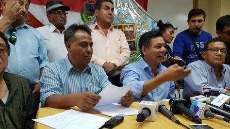 Representantes de diferentes comités cívicos en Cochabamba.