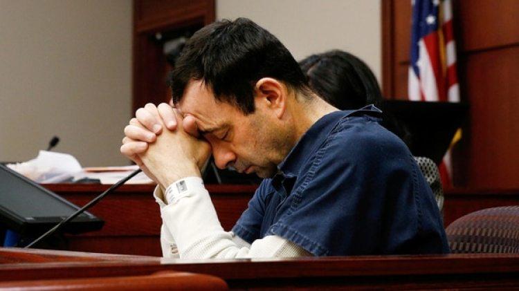 Esto sucede a una semana de que el médico Larry Nassar haya sido sentenciado a 175 años de prisión (Reuters)