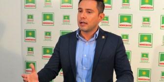 Diputado Serrano pide al presidente Morales destituir a la ministra de Salud