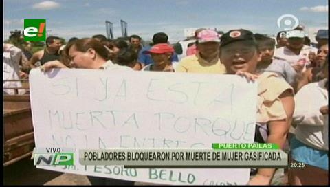 Pobladores bloquean en Pailas por muerte de mujer gasificada