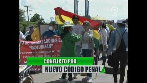 Video titulares de noticias de TV – Bolivia, noche del lunes 8 de enero de 2018