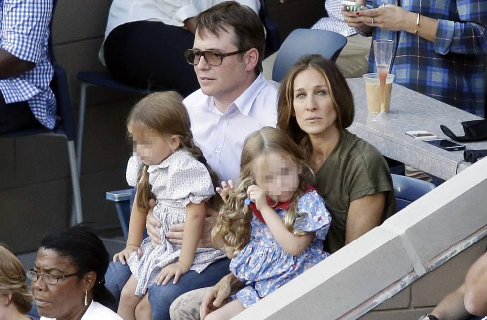Sarah Jessica Parker y Matthew Broderick junto a sus hijas en el US Open de Tenis en Nueva York en 2013.