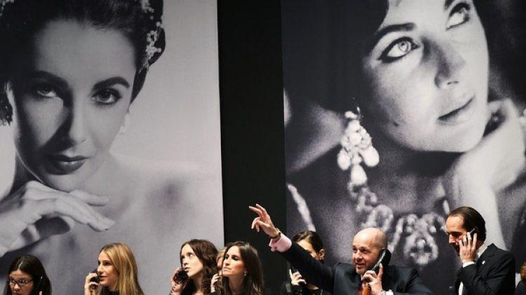 La feria ofrecerá también una tiara de una princesa francesa, por USD 125.000