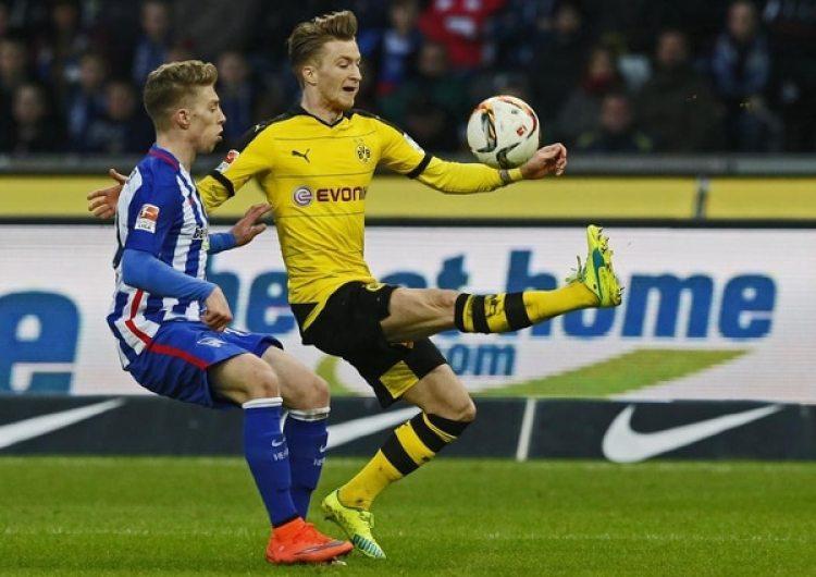Los partidos de la Bundesliga son el principal campo de acción (¿o deberíamos decir de trabajo?) de Dirk Paulsen. Foto de Fabrizio Bensch, Reuters