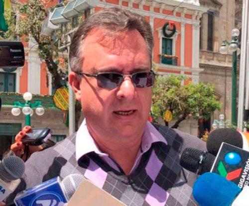 CONSTITUCIONALISTA CARLOS ALARCÓN PREPARA ACCIONES LEGALES CONTRA LA SCP DE REELECCIÓN.