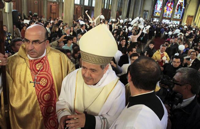 El papa defendió al obispo Juan Barros ante las acusaciones de abuso sexual (Reuters)