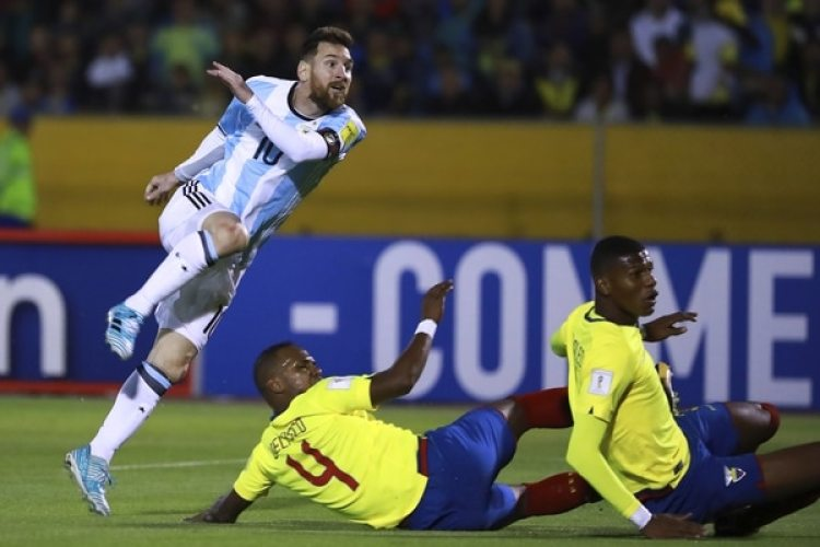La magia de Messi en el partido ante Ecuador (Photo by Hector Vivas/Getty Images)