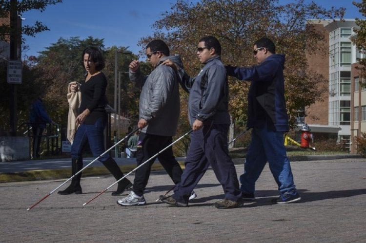 Hasta 2015 poco más de 1.5 millones de personas sufrían alguna discapacidad visual en México, según el Instituto Nacional de Estadística y Geografía (Inegi)