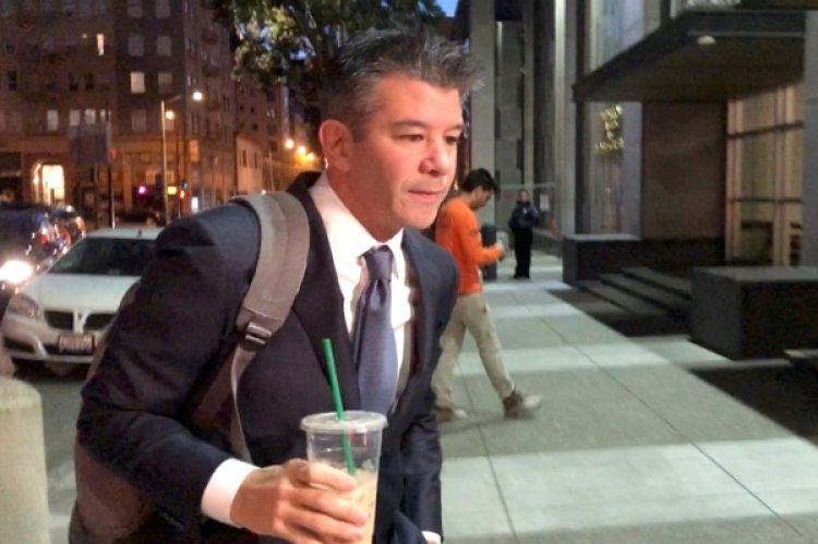 El fundador y ex CEO de Uber Travis Kalanick al llegar en la corte federal de San Francisco federal (REUTERS/Jane Lee)