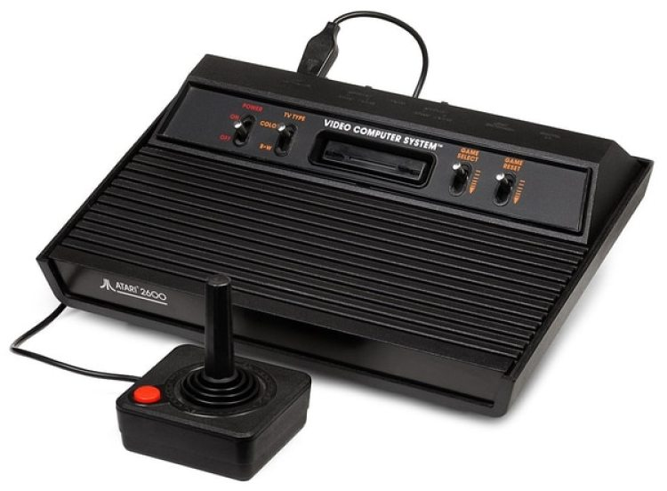 Videoconsola Atari 2600 (Wikimedia)
