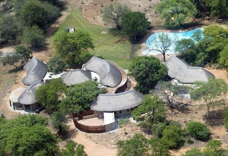 Vista aérea de los bungalows de Ingwelala