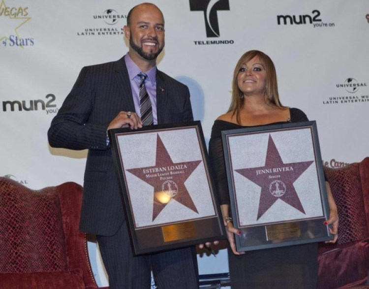 Jenni Rivera y Esteban Loaizadurante una entrega de premios en Las Vegas. (AP)