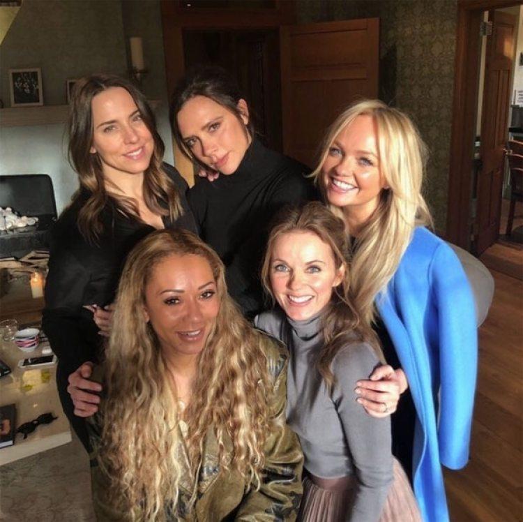 Encuentro de las Spice Girls con su ex productor Simon Fuller en Londres (Para Ti)